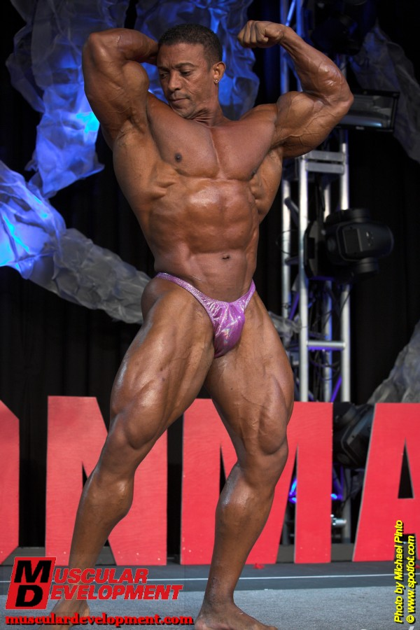 Troy Alves guest posing at the 2009 Washington Ironman