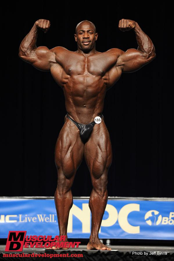 Thread: post pics of bodybuilder with tightest/smallest waist ever
