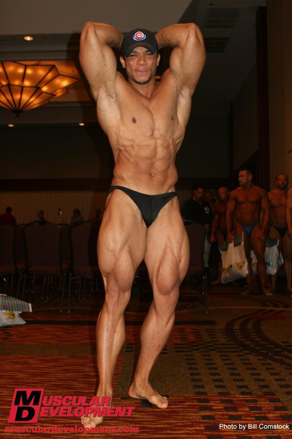 Sergio Oliva Jr and Shawn Ray at Weigh Ins for the 2009 Jr Nationals