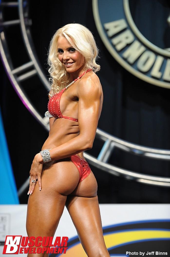 Видео: Arnold Amateur 2013 - Бикини над 170 см.